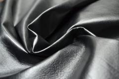 «Центури»   - кожа одежная черная из мелкого сырья