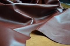 "Accent (Leather ""nappa"" for the top of the shoe face smooth colored from cattle)"